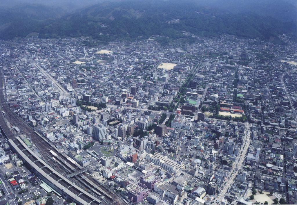 空から見た周南市街地の様子